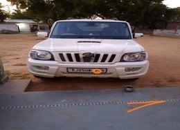 2014 Mahindra Scorpio VLX 2WD AIRBAG AT BS IV