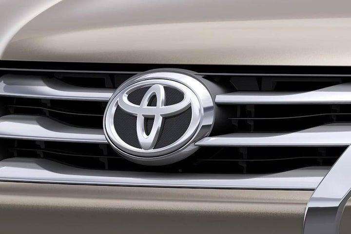 Toyota Fortuner - exterior