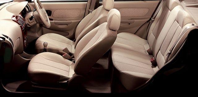 Hyundai Accent - interior