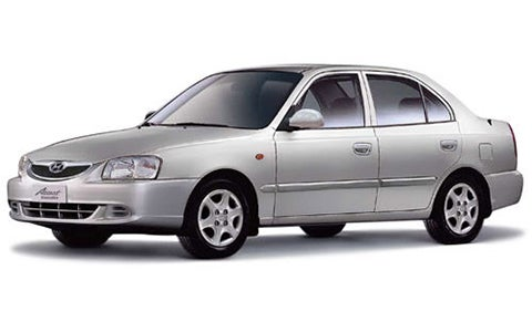 Hyundai Accent - Front Side