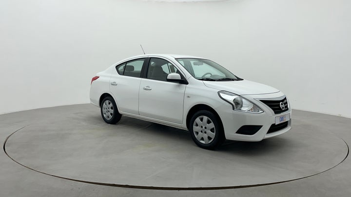 Nissan Sunny-Right Front Diagonal (45- Degree) View