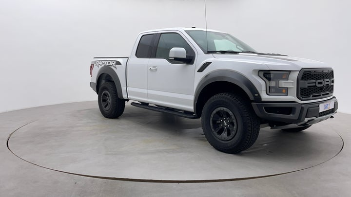 Ford F 150 RAPTOR-Right Front Diagonal (45- Degree) View