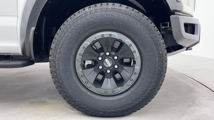 Ford F 150 RAPTOR-Right Front Tyre