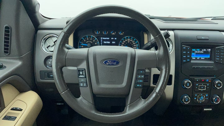 Ford F 150 RAPTOR-Steering Wheel Close-up