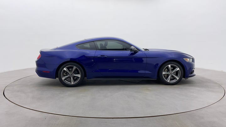 Ford Mustang-Right Side View
