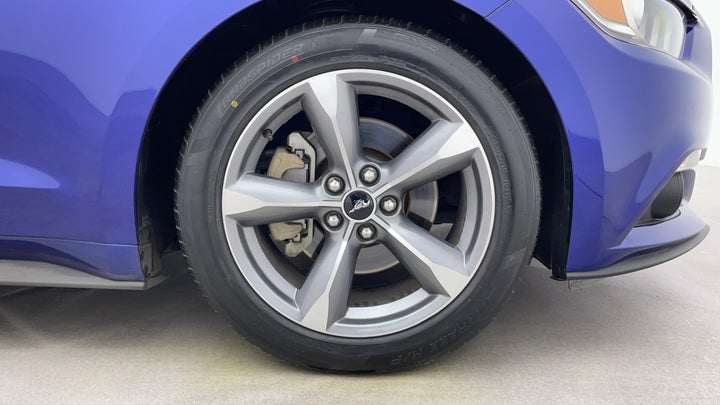 Ford Mustang-Right Front Tyre
