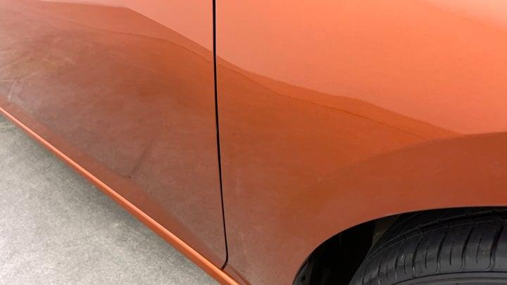 Nissan Altima-Fender  RHS Fender Minor Scratches