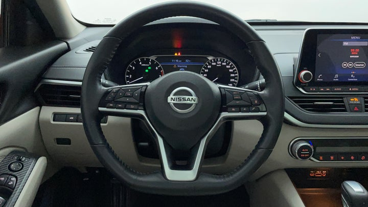Nissan Altima-Steering Wheel Close-up