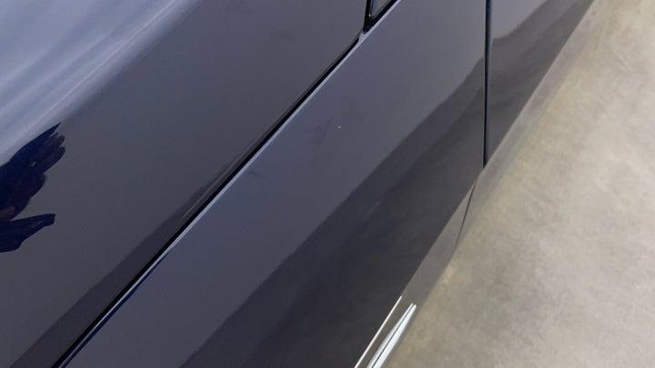 Mercedes Benz E-Class-Fender LHS Fender Minor Scratches