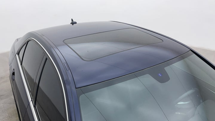 Mercedes Benz E-Class-Roof/Sunroof View
