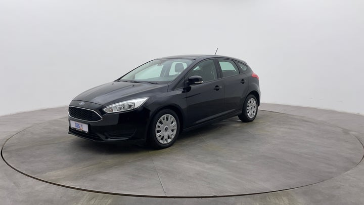 Ford Focus-Left Front Diagonal (45- Degree) View