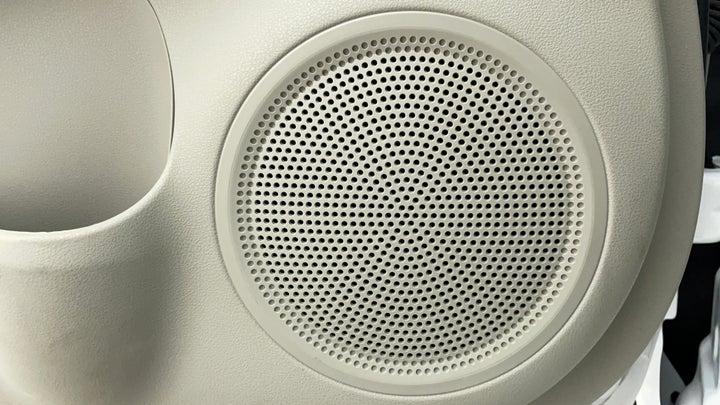 Nissan Sunny-Speakers