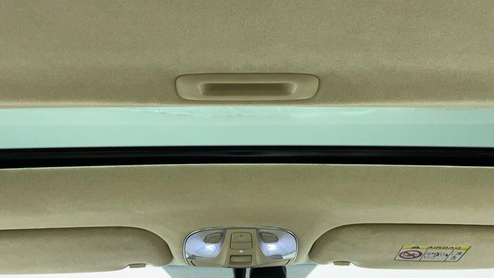 Hyundai Centennial-Interior Sunroof/Moonroof
