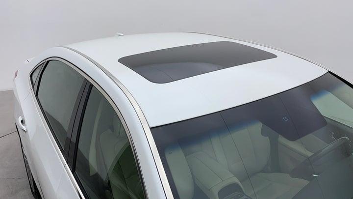 Hyundai Centennial-Roof/Sunroof View