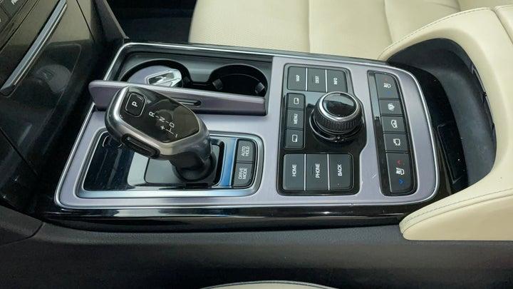 Hyundai Centennial-Gear Lever