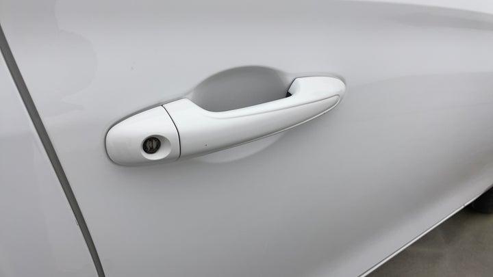 Toyota Yaris-Door  RHS Front Door Minor Scratches