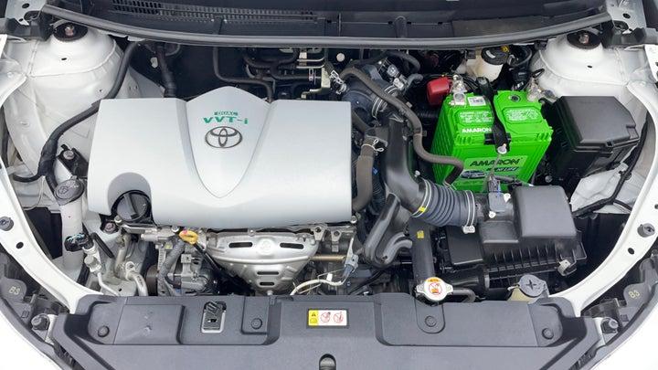 Toyota Yaris-Engine Bonet View