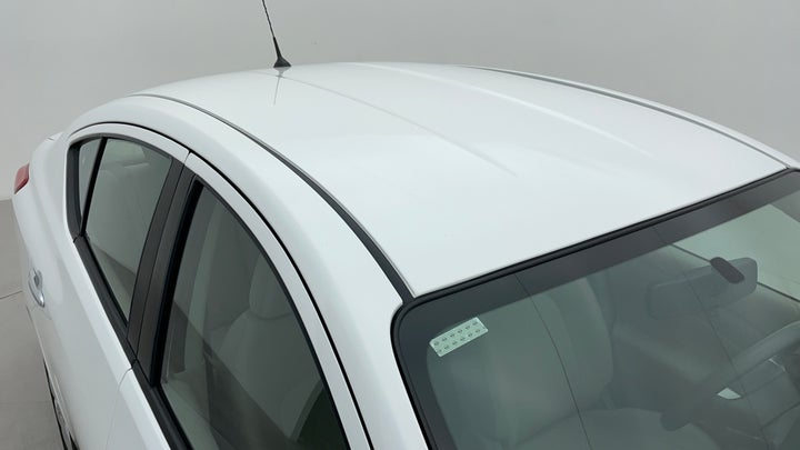 Nissan Sunny-Roof/Sunroof View