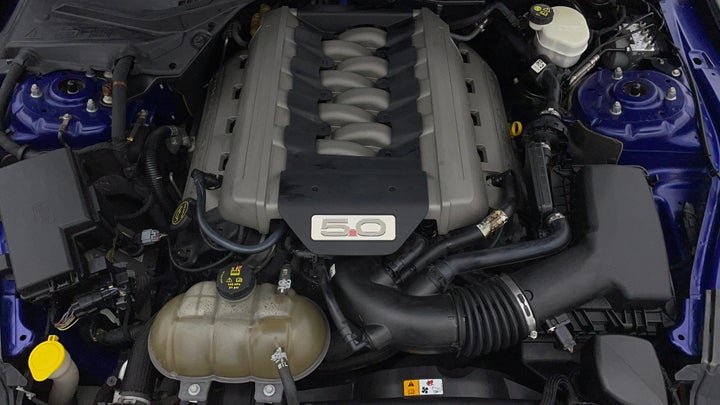 Ford Mustang-Engine Bonet View