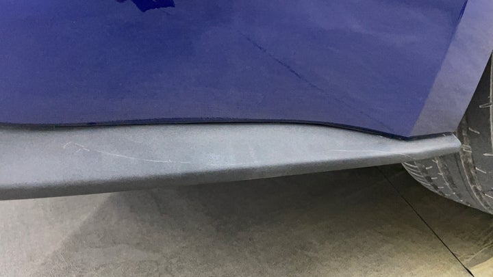 Ford Mustang-Bumper  Rear Bumper Minor Scratches