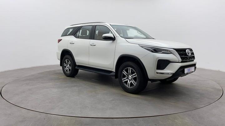 Toyota Fortuner-Front Left