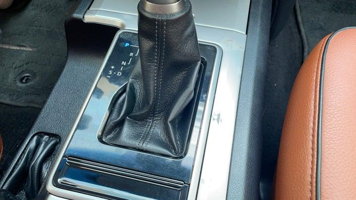 Toyota Land Cruiser Prado-Central Console condition   Scratched