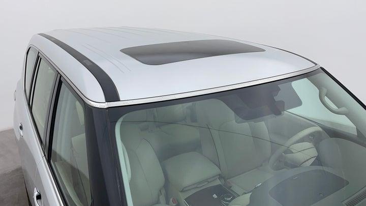 Nissan Patrol-Roof/Sunroof View