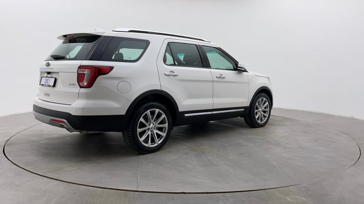 Ford Explorer-Right Back Diagonal (45- Degree) View