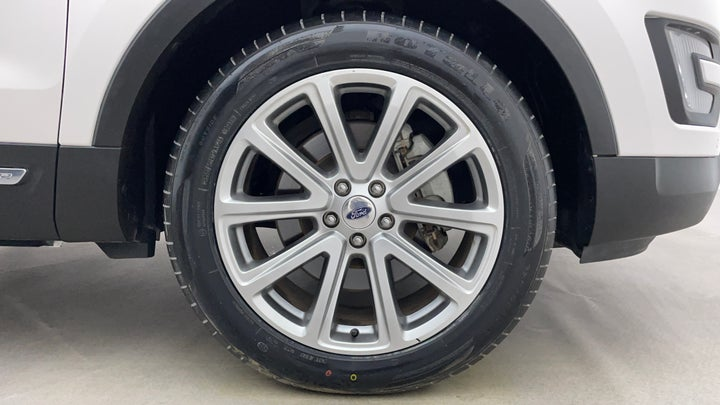 Ford Explorer-Right Front Tyre