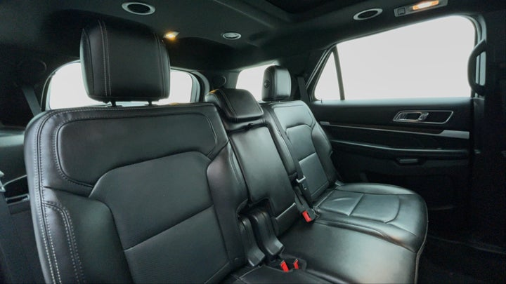 Ford Explorer-Right Side Door Cabin View