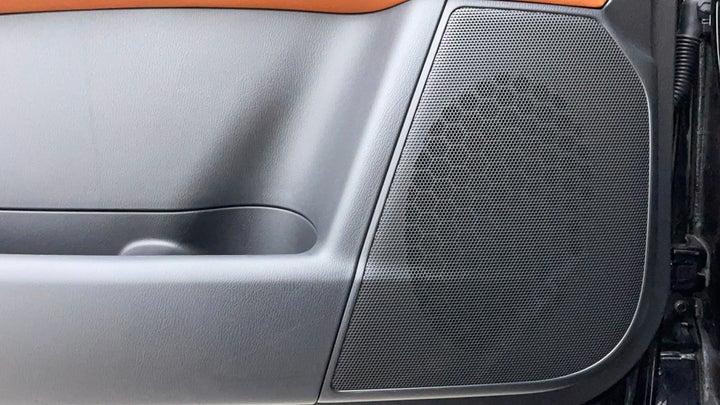 Nissan Patrol-Speakers