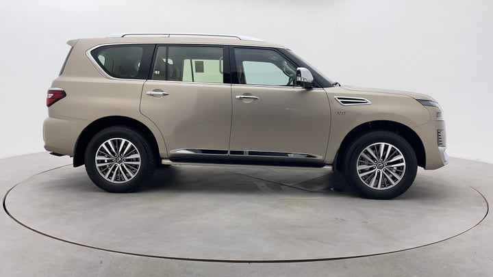 Nissan Patrol-Right Side View