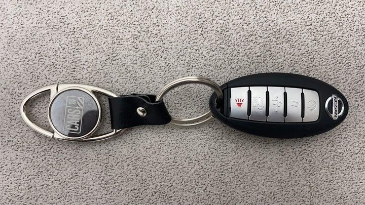 Nissan Patrol-Key Close-up