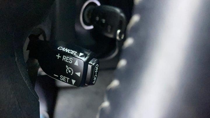 Toyota Land Cruiser Prado-Cruise Control