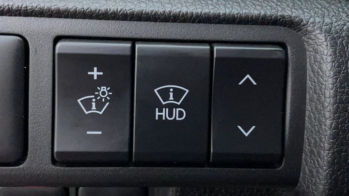Mitsubishi Eclipse Cross-Heads Up Display