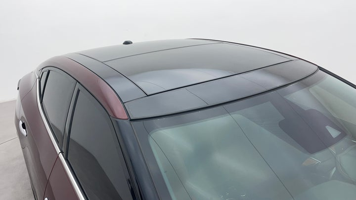Nissan Maxima-Roof/Sunroof View