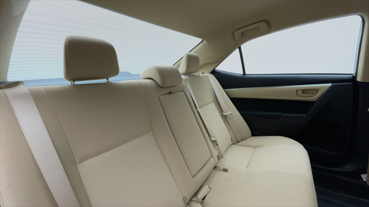 Toyota Corolla-Right Side Door Cabin View