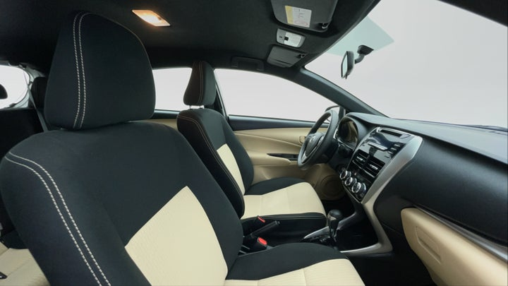 Toyota Yaris-Right Side Front Door Cabin View