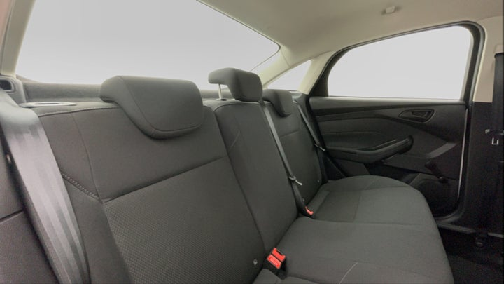 Ford Focus-Right Side Door Cabin View