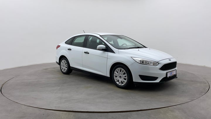 Ford Focus-Right Front Diagonal (45- Degree) View