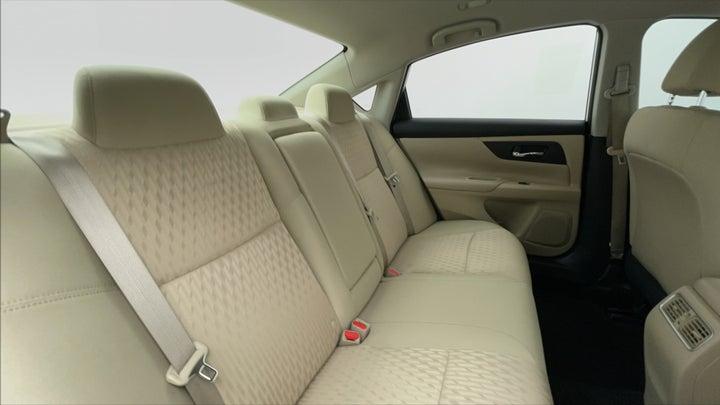 Nissan Altima-Right Side Door Cabin View
