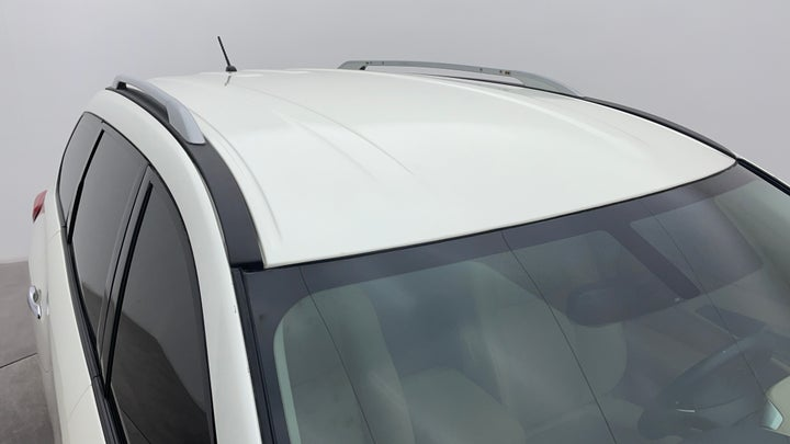 Nissan Pathfinder-Roof/Sunroof View