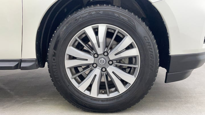 Nissan Pathfinder-Right Front Tyre