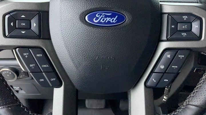 Ford F 150 RAPTOR-Drivers Control