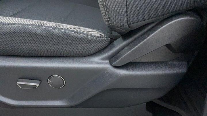Ford F 150 RAPTOR-Driver Side Adjustment Panel