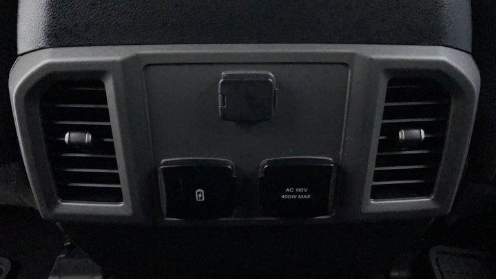 Ford F 150 RAPTOR-Rear AC Vents