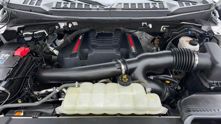 Ford F 150 RAPTOR-Engine Bonet View