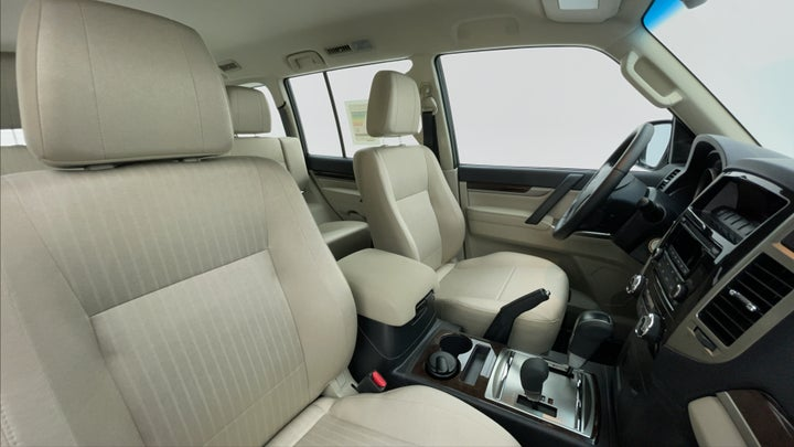 Mitsubishi Pajero-Right Side Front Door Cabin View