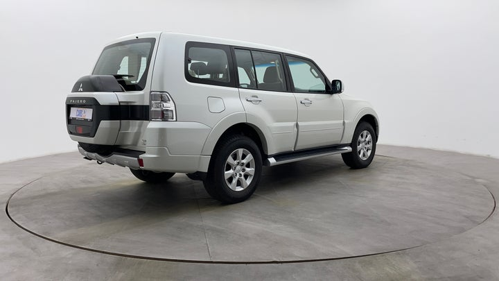 Mitsubishi Pajero-Right Back Diagonal (45- Degree) View
