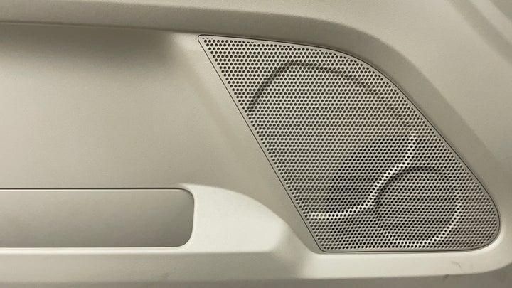 Mitsubishi Pajero-Speakers
